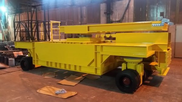 Technical trolley for installation of toothed gears